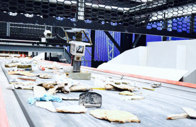 L'intelligence artificielleet la robotisation dans les centres de tri: une alternative aux bacs bruns