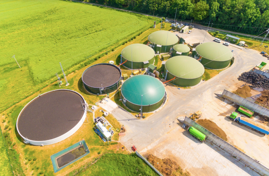 State-of-the-art dry and wet anaerobic digestion systems for solid waste