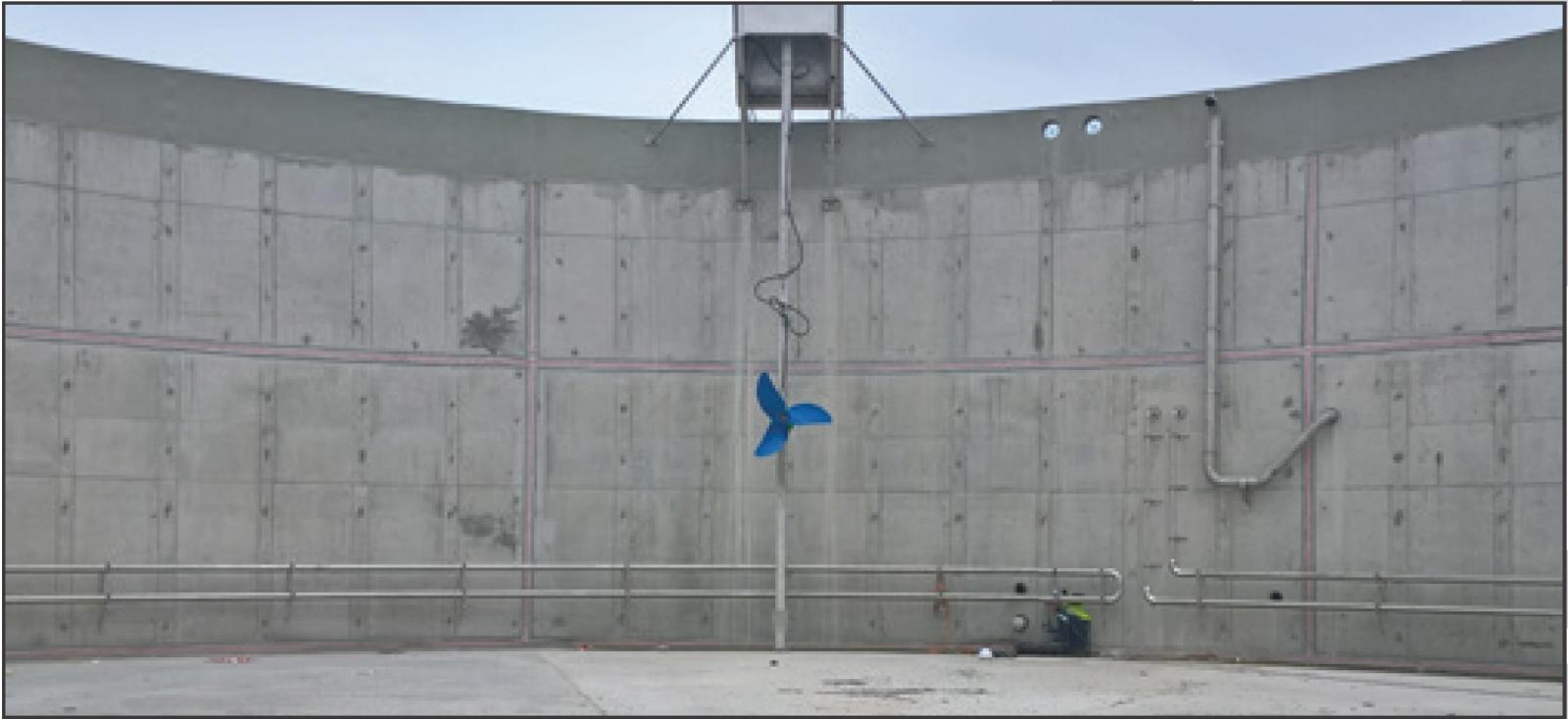 ANAERGIA – Photo des Agitateurs pour matières solides avec boîte de service